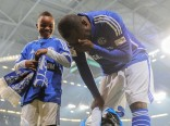 Asamoah mit Tricolore in die Arena