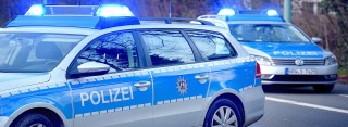 Mutter und Kinder geraten in Unfall