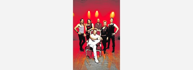 Colaball mit Queen-Coverband